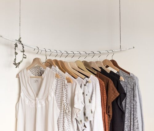 5 tips to de-clutter and organise your wardrobe